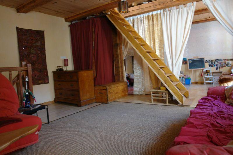 Castellane visiter une maison de village en provence for Separation entre salon et sejour